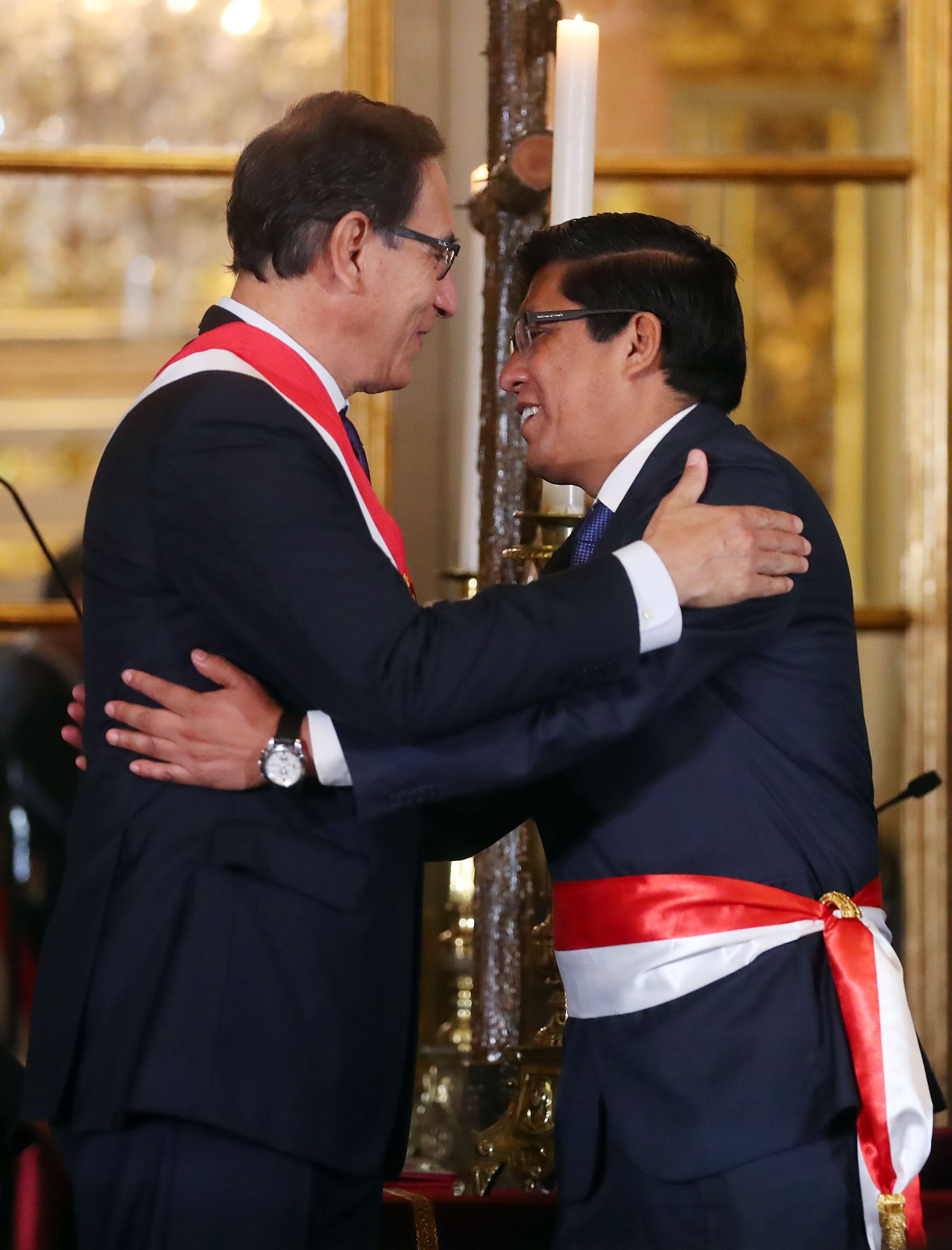 رئيس بيرو يرحب بالوزير الجديد