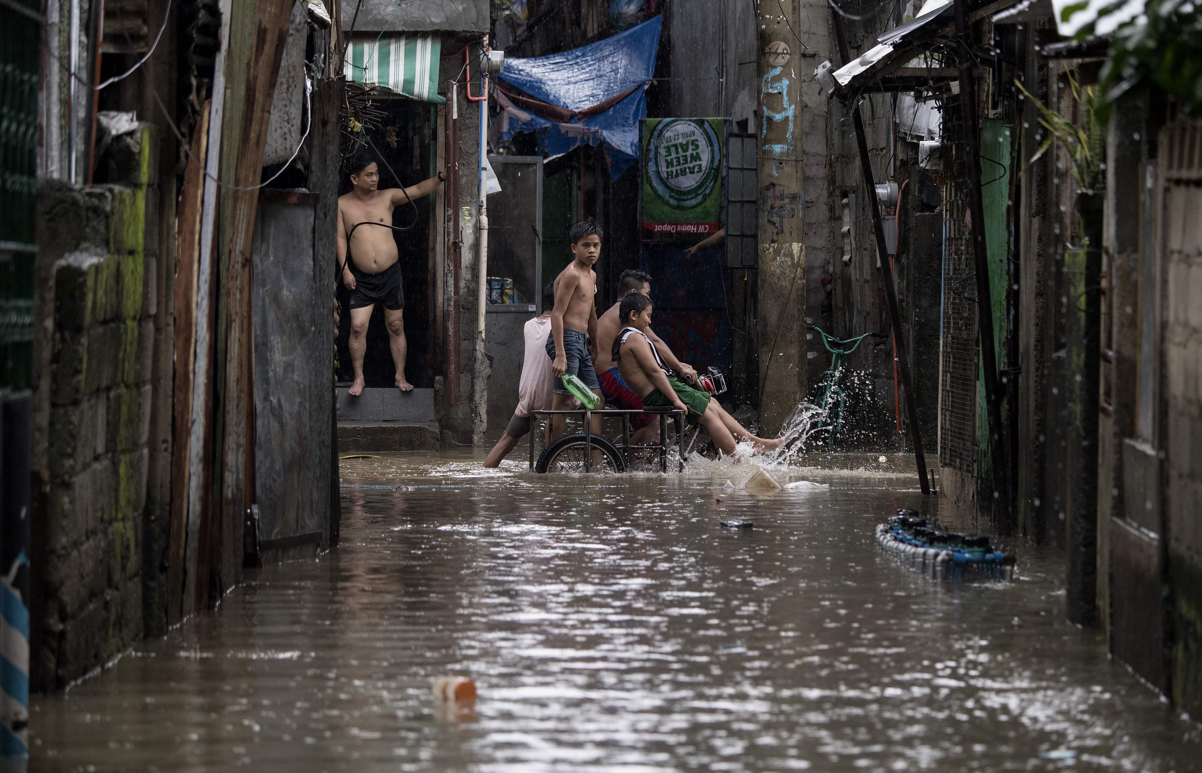 غرق شوارع عاصمة الفلبين