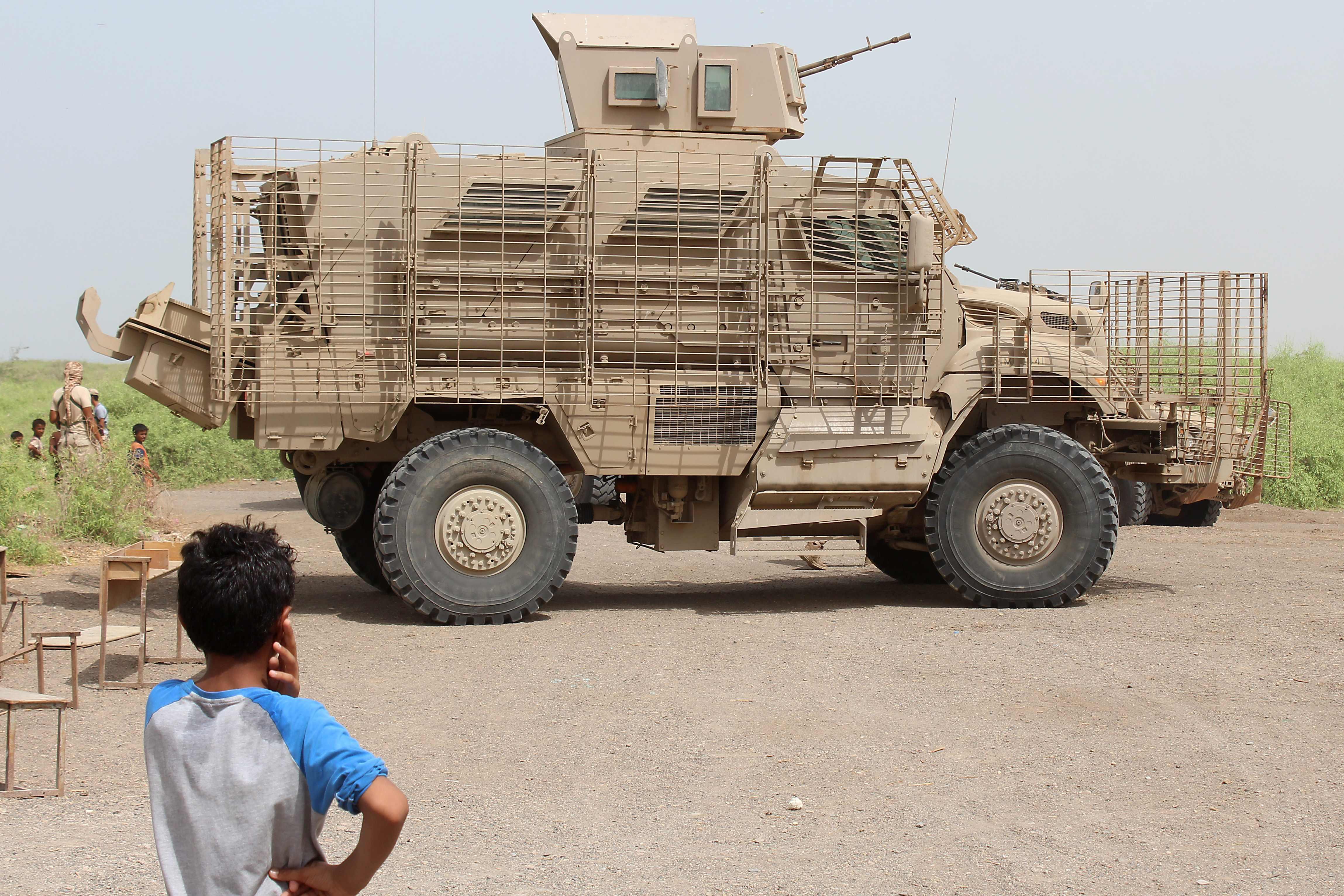 مدرعة تابعة للجيش الاماراتى