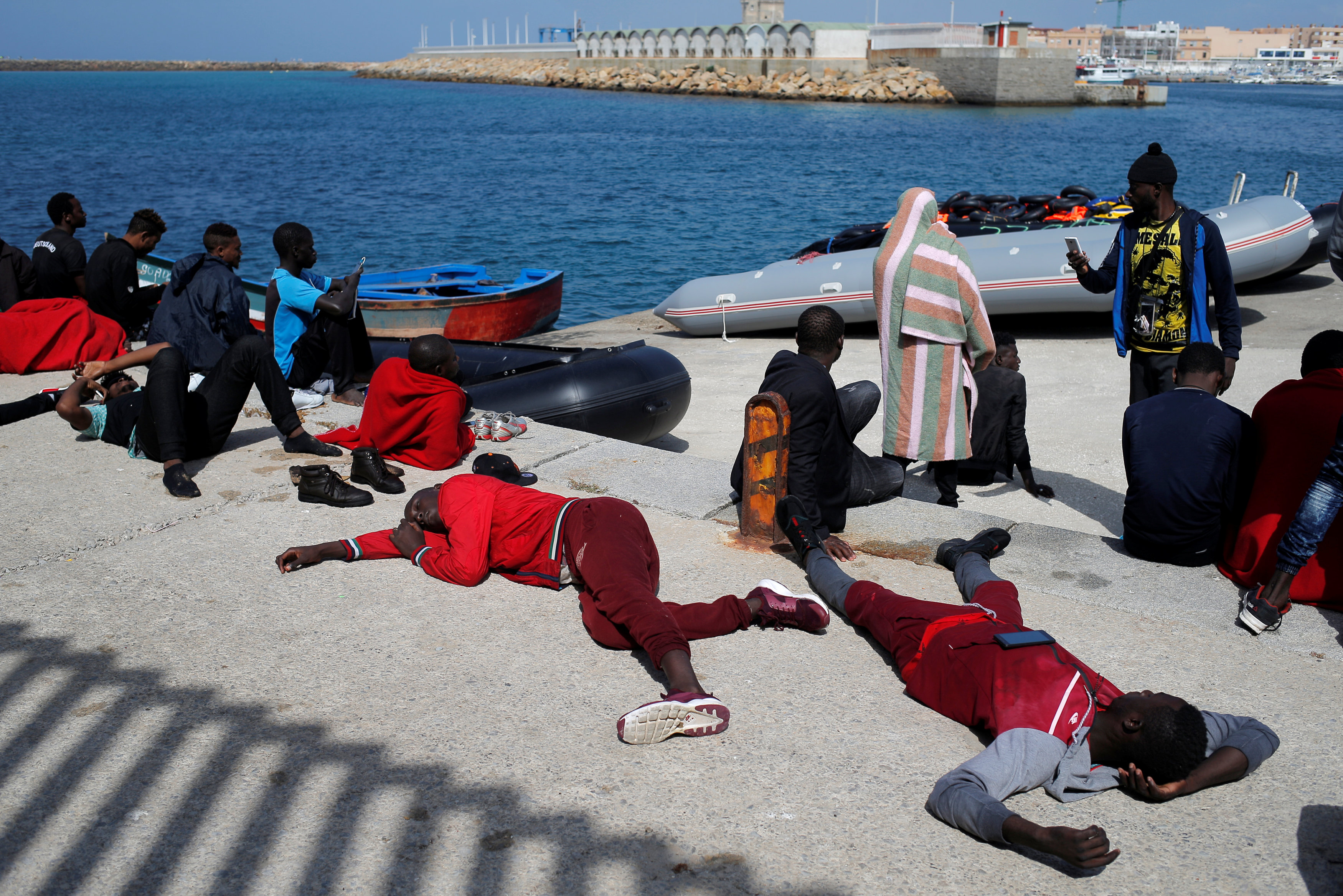 عدد من المهاجرين يصلون اسبانيا