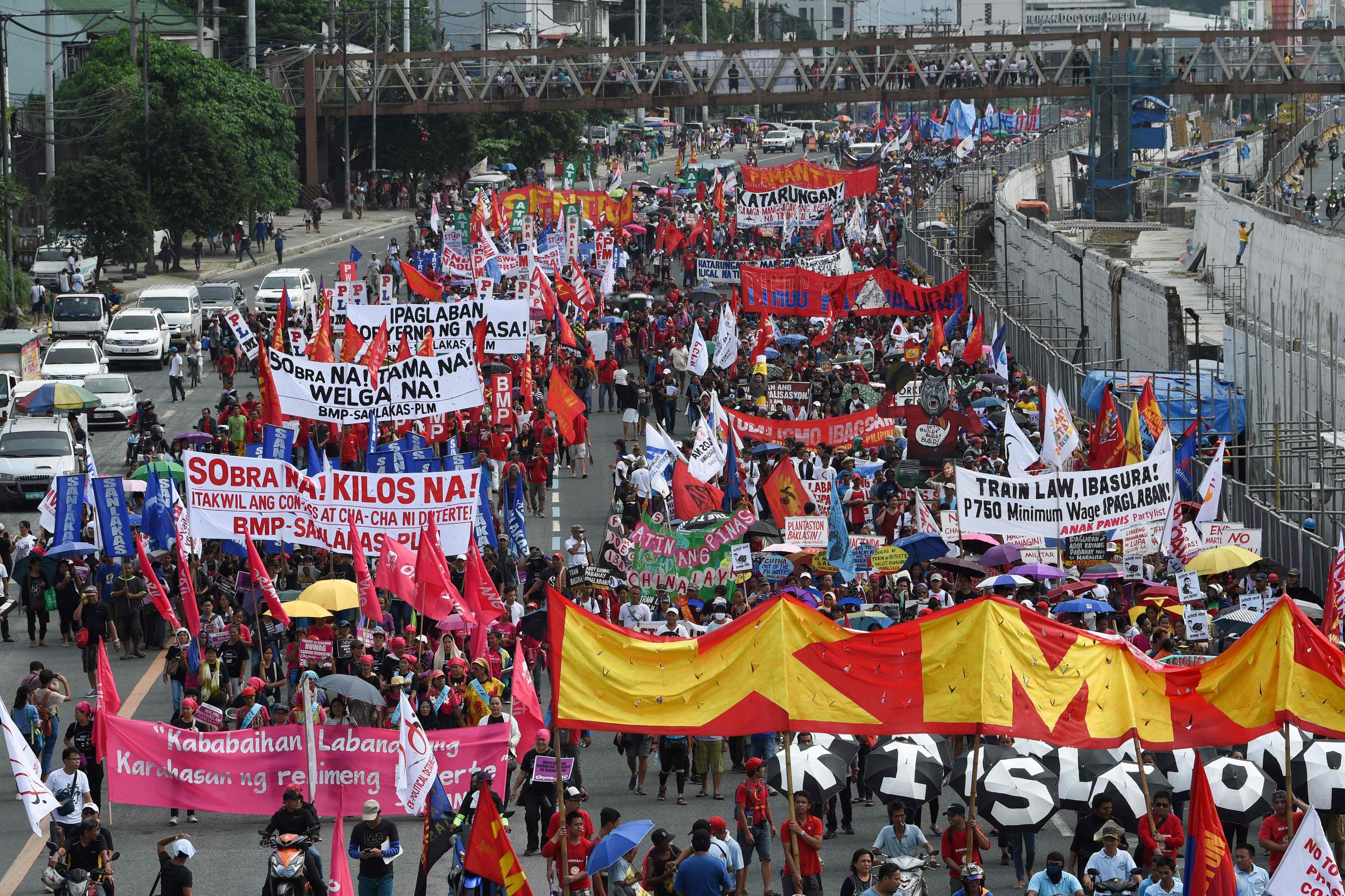 متظاهرون فى الفلبين ضد رئيس بلادهم