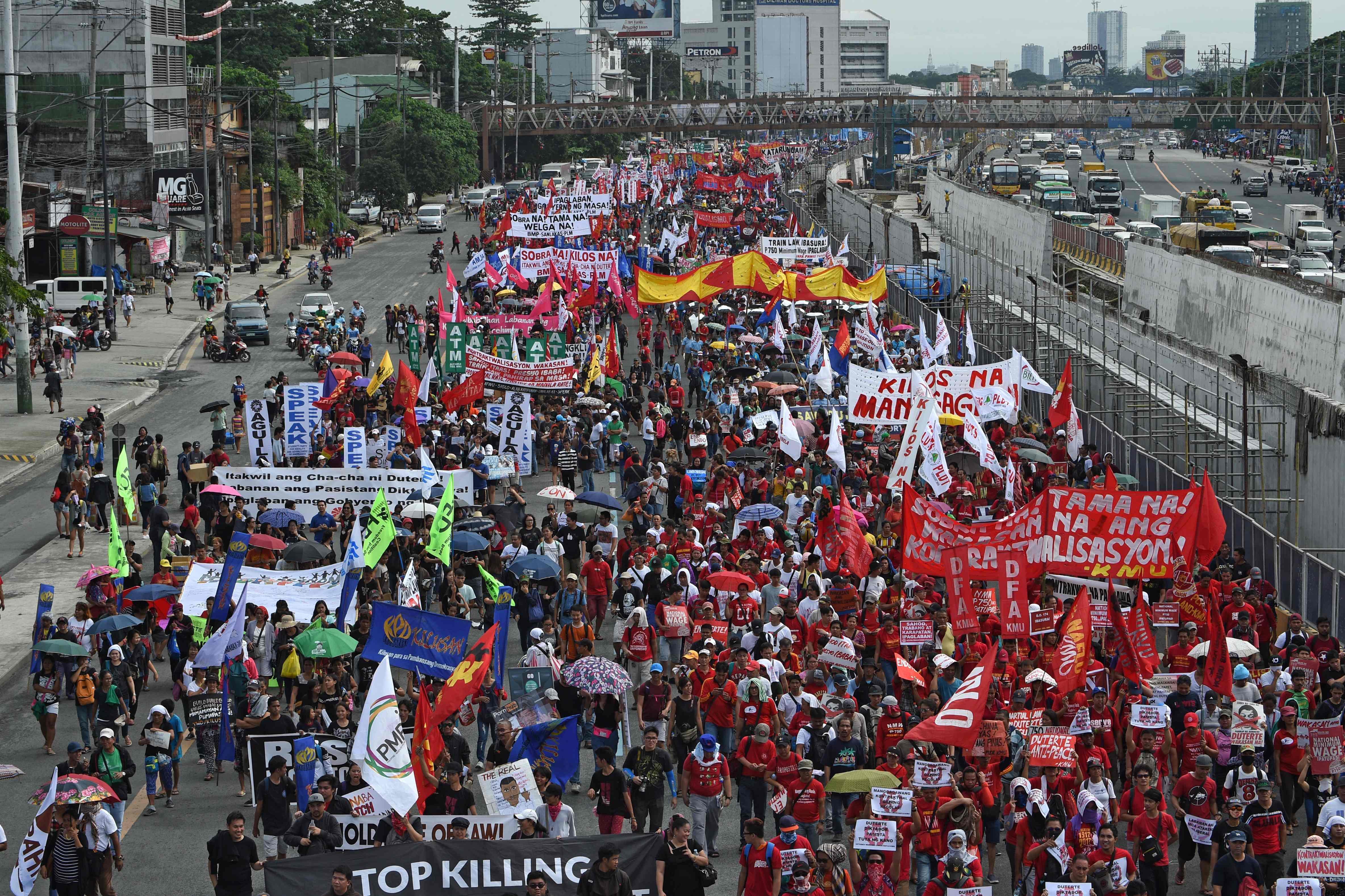 الآلاف يتظاهرون ضد رئيس الفلبين قبل خطابه فى الكونجرس