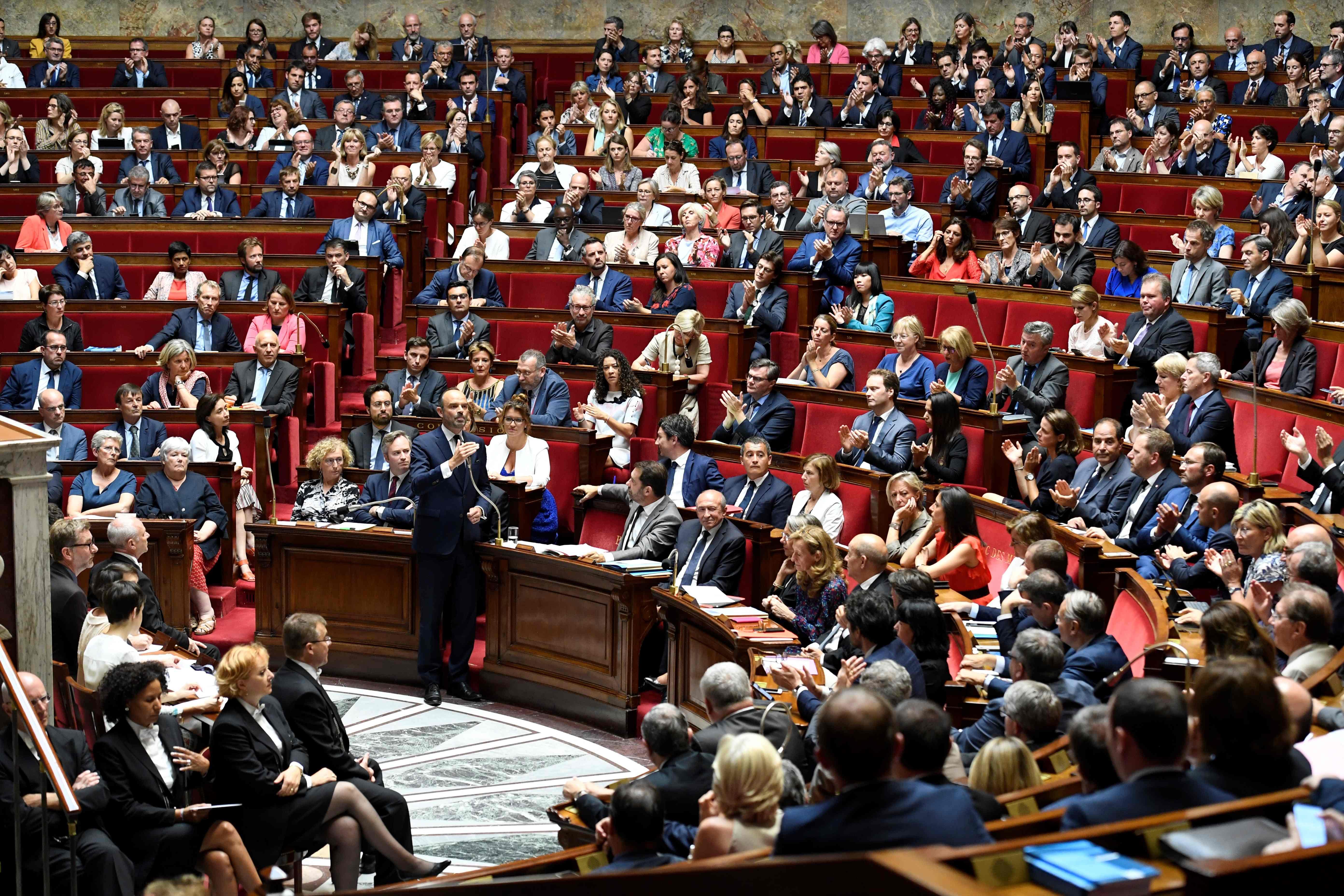 رئيس الوزراء الفرنسى أمام البرلمان