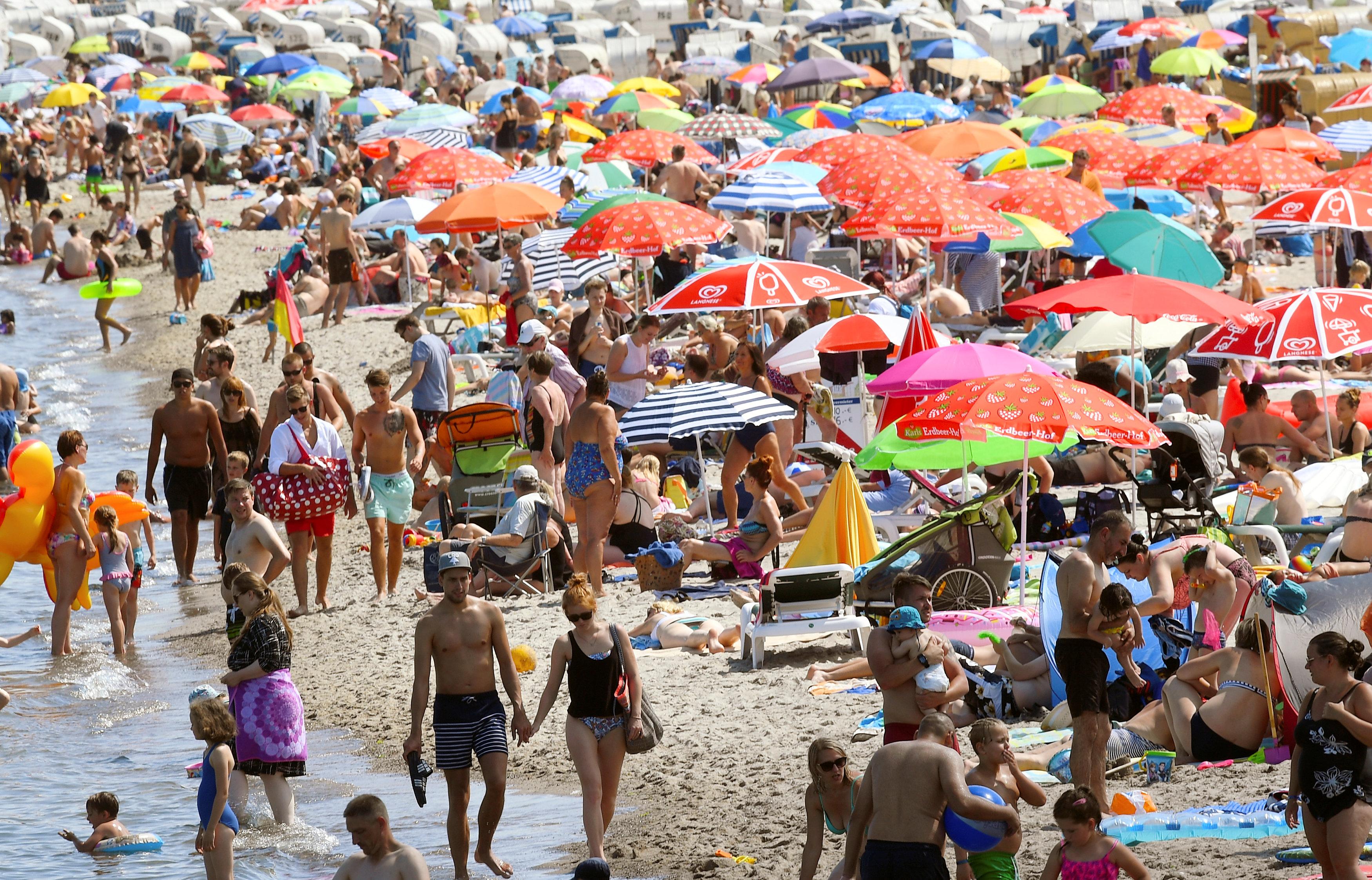 اقبال على الشواطئ
