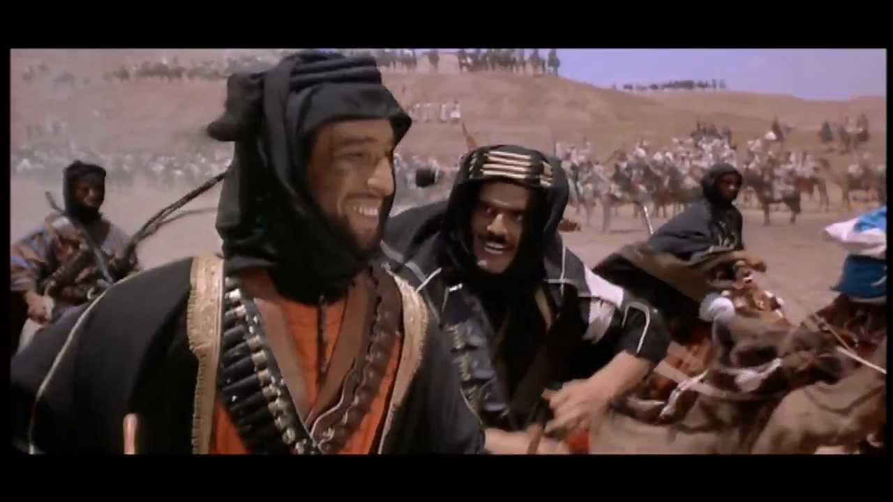 جميل راتب وعمر الشريف فى مشهد من فيلم لورانس العرب