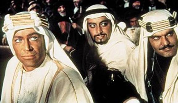جميل راتب وعمر الشريف من تصوير فيلم لورانس العرب