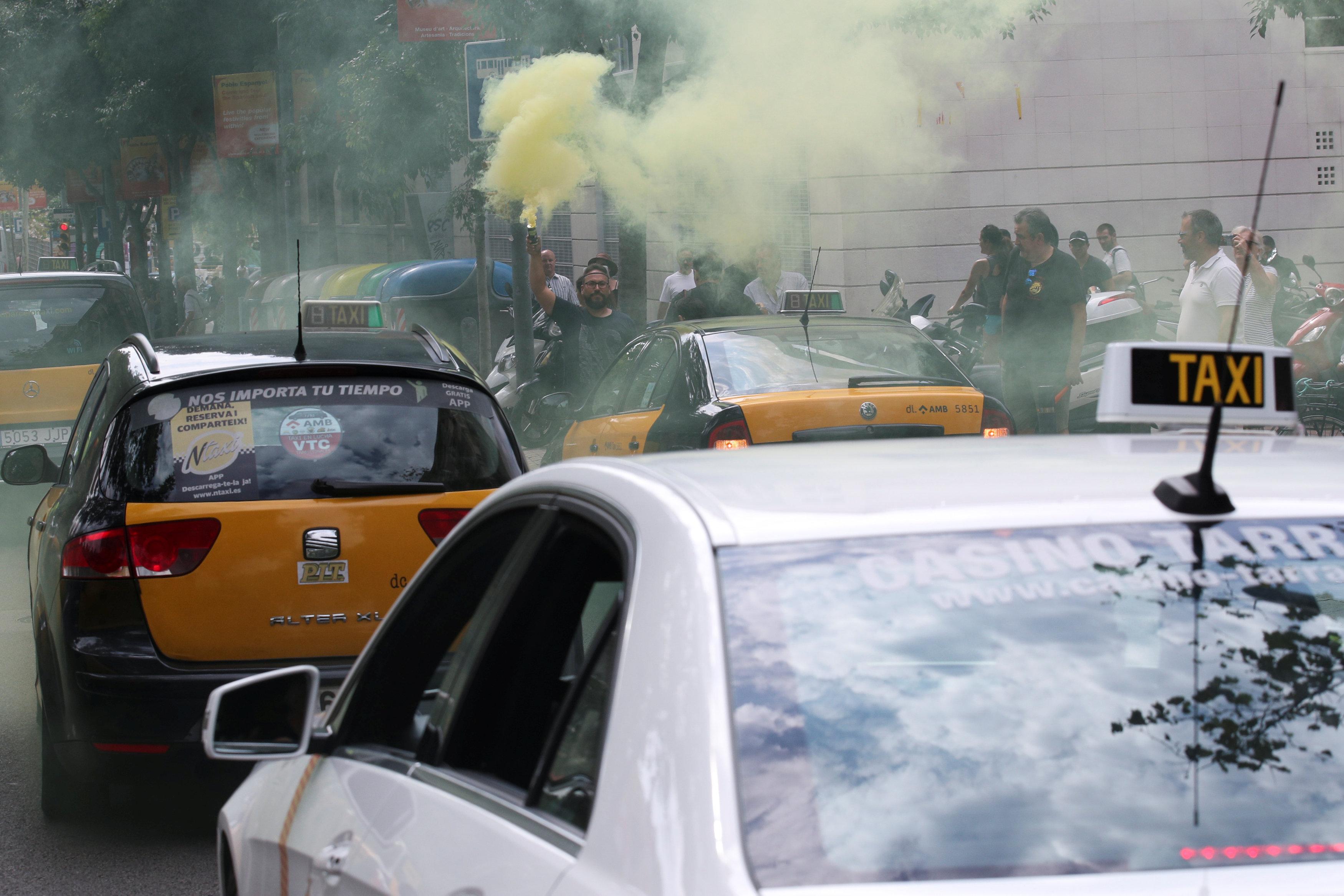 إضراب سائقى التاكسى