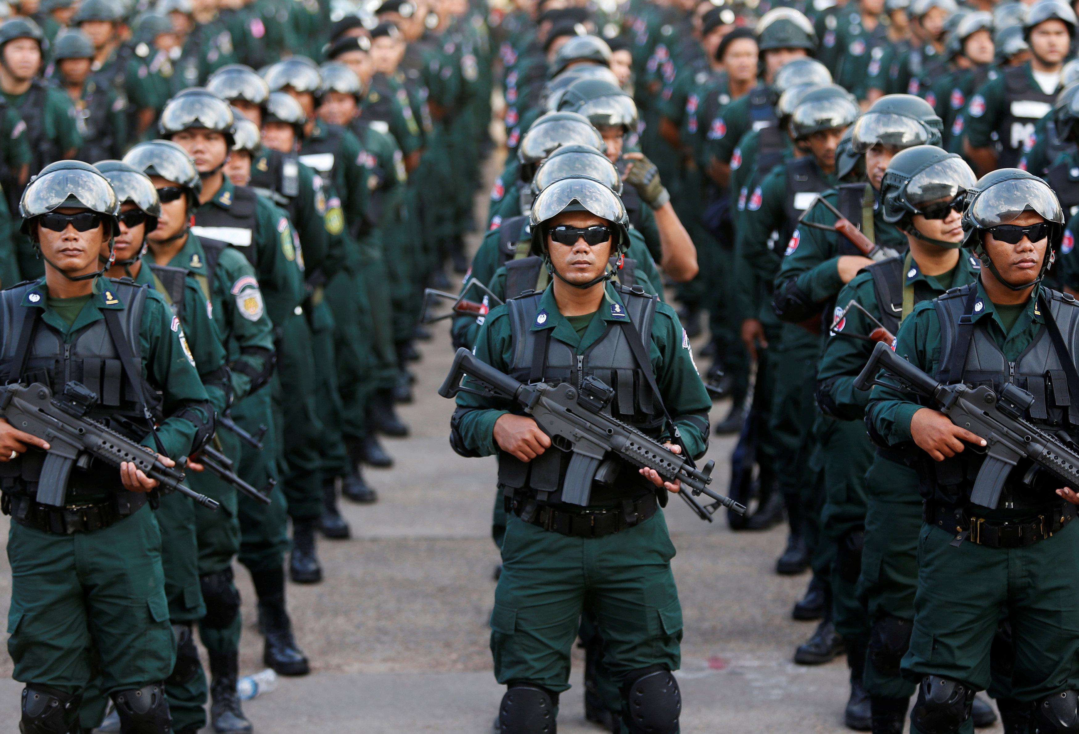 جانب من تواجد قوات الجيش فى كمبوديا