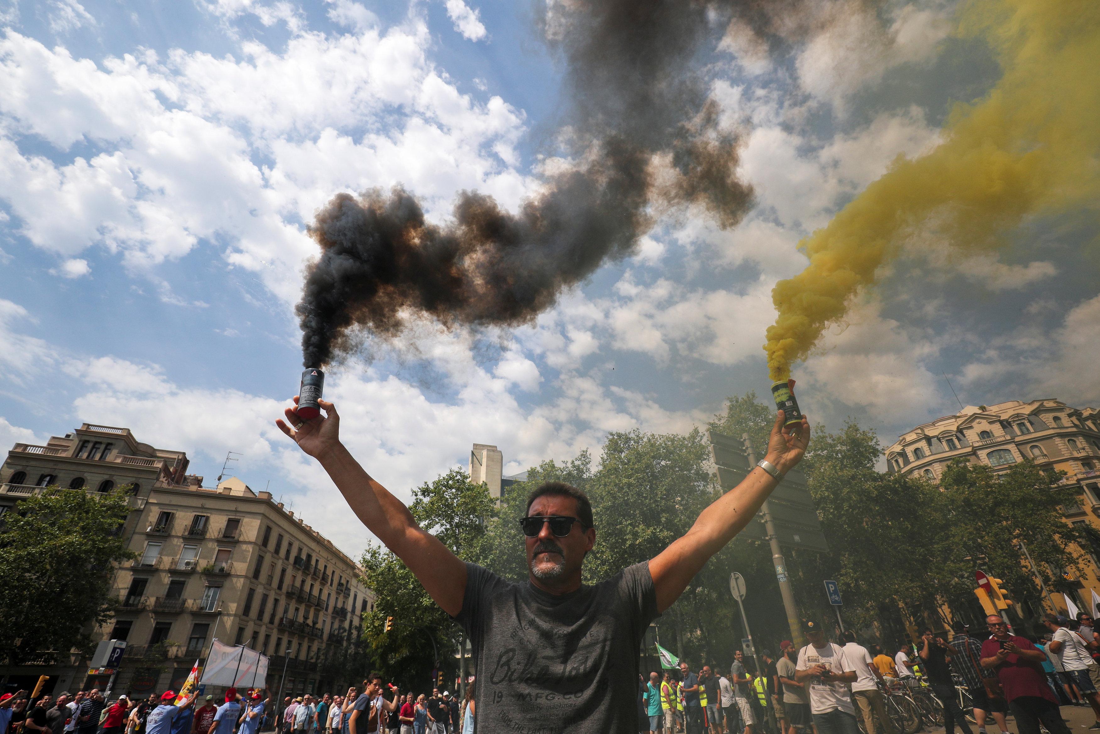 احتجاجات فى إسبانيا