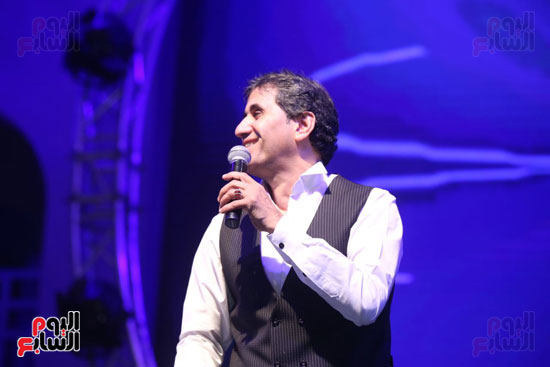 أحمد شيبة فى حفل كامل العدد بمهرجان ليالى صيف طابا للأغنية
