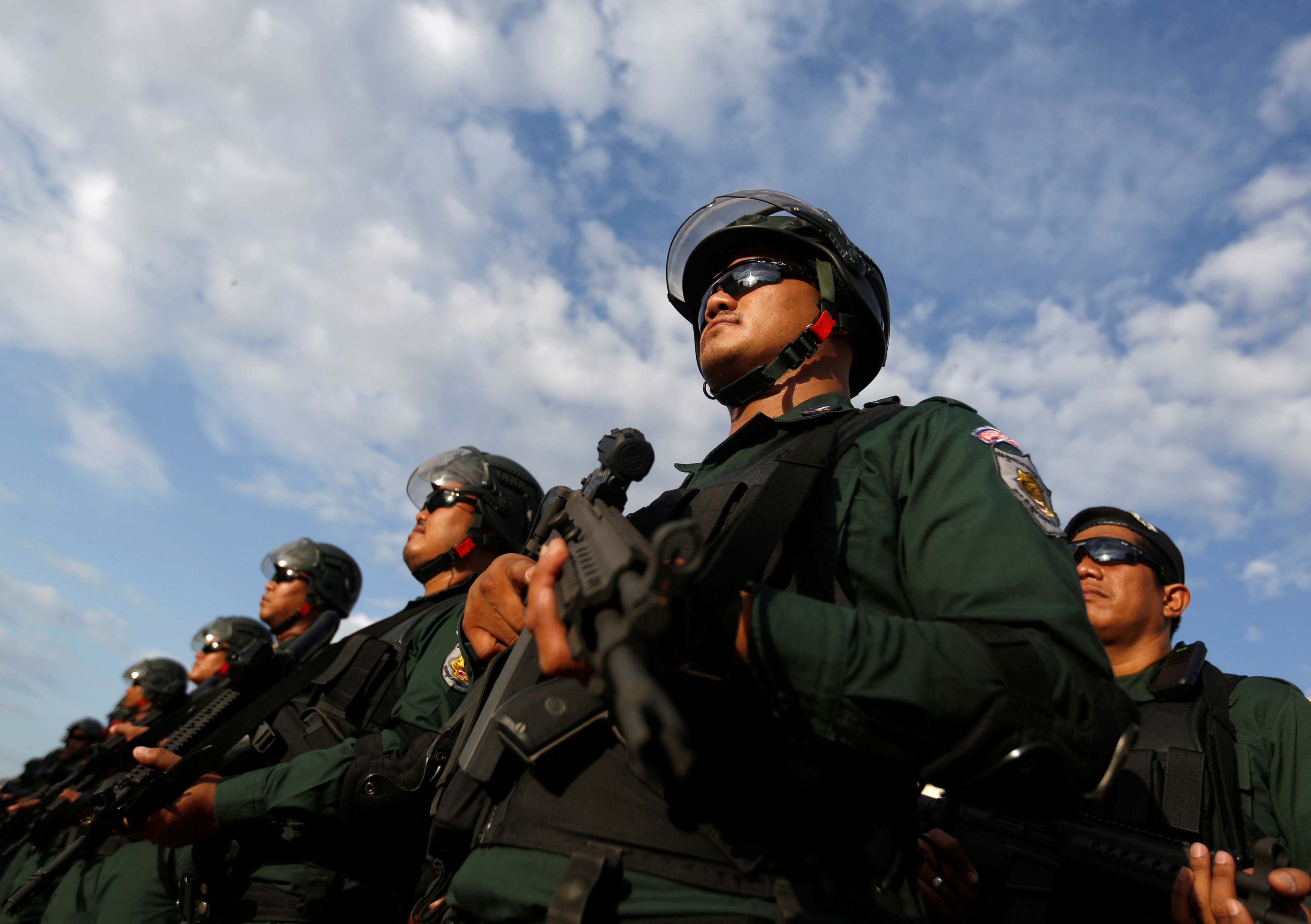 انتشار قوات الجيش فى كمبوديا