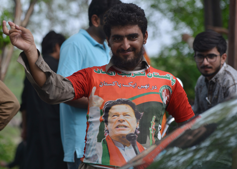 أنصار عمر خان