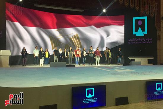 اللمسات النهائية بجامعة القاهرة لاستضافة المؤتمر السادس للشباب (1)