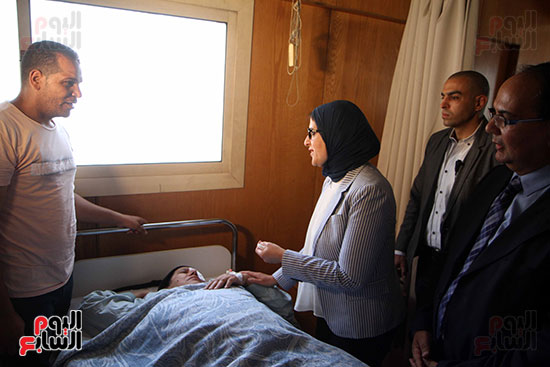 هالة زايد وزيرة الصحة تصل معهد الرمد لمتابعة مبادرة القضاء على قوائم الانتظار (8)