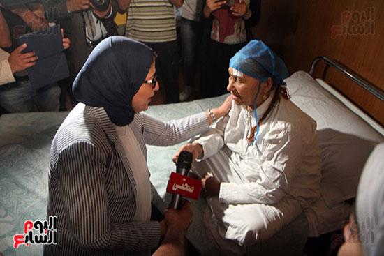 هالة زايد وزيرة الصحة تصل معهد الرمد لمتابعة مبادرة القضاء على قوائم الانتظار (12)