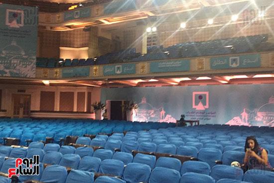 اللمسات النهائية بجامعة القاهرة لاستضافة المؤتمر السادس للشباب (6)