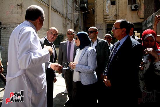 هالة زايد وزيرة الصحة تصل معهد الرمد لمتابعة مبادرة القضاء على قوائم الانتظار (5)