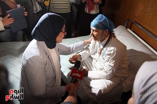 هالة زايد وزيرة الصحة تصل معهد الرمد لمتابعة مبادرة القضاء على قوائم الانتظار (11)