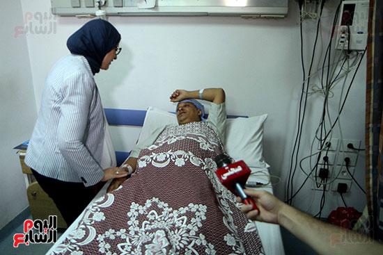 هالة زايد وزيرة الصحة تصل معهد الرمد لمتابعة مبادرة القضاء على قوائم الانتظار (28)