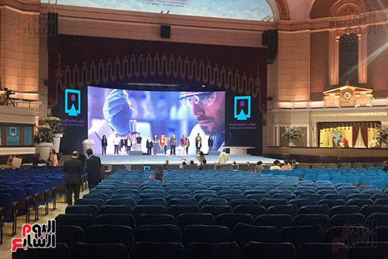 اللمسات النهائية بجامعة القاهرة لاستضافة المؤتمر السادس للشباب (3)