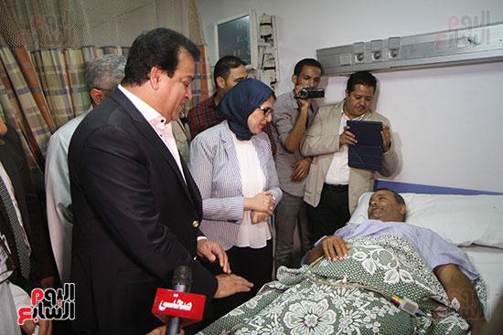 هالة زايد وزيرة الصحة تصل معهد الرمد لمتابعة مبادرة القضاء على قوائم الانتظار (30)