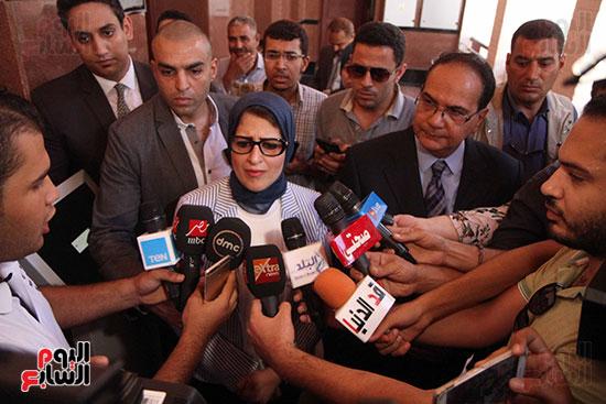 هالة زايد وزيرة الصحة تصل معهد الرمد لمتابعة مبادرة القضاء على قوائم الانتظار (24)