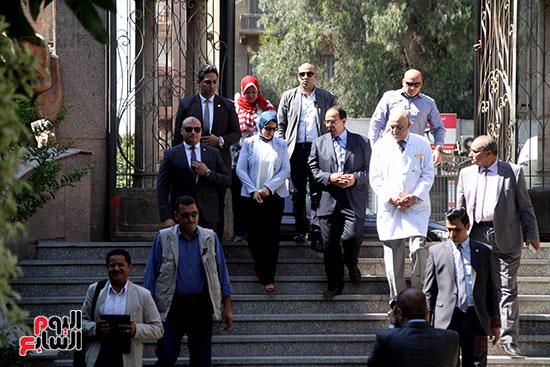 هالة زايد وزيرة الصحة تصل معهد الرمد لمتابعة مبادرة القضاء على قوائم الانتظار (1)