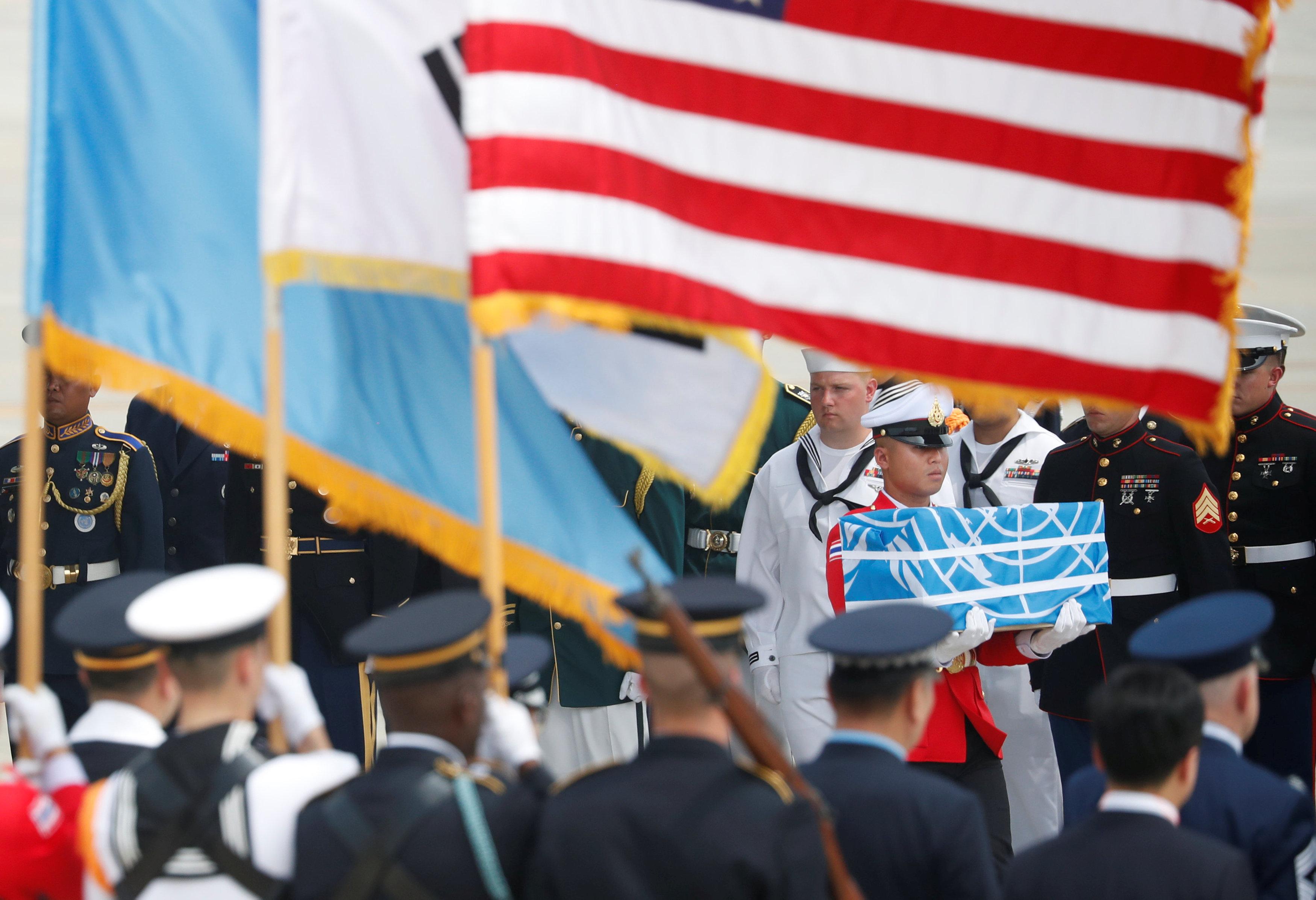نقل رفات الجنود الأمريكيين