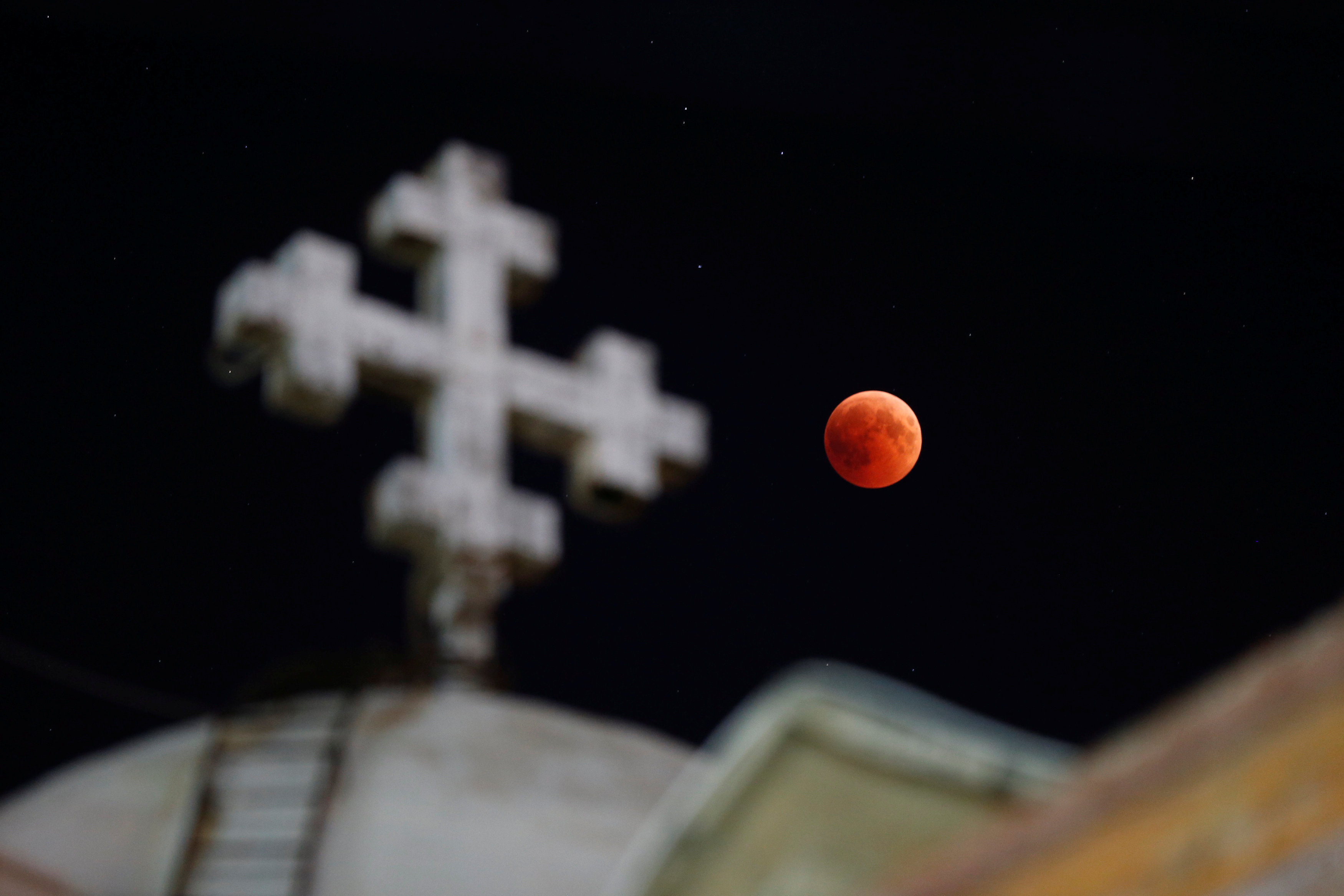 القمر فى الأردن