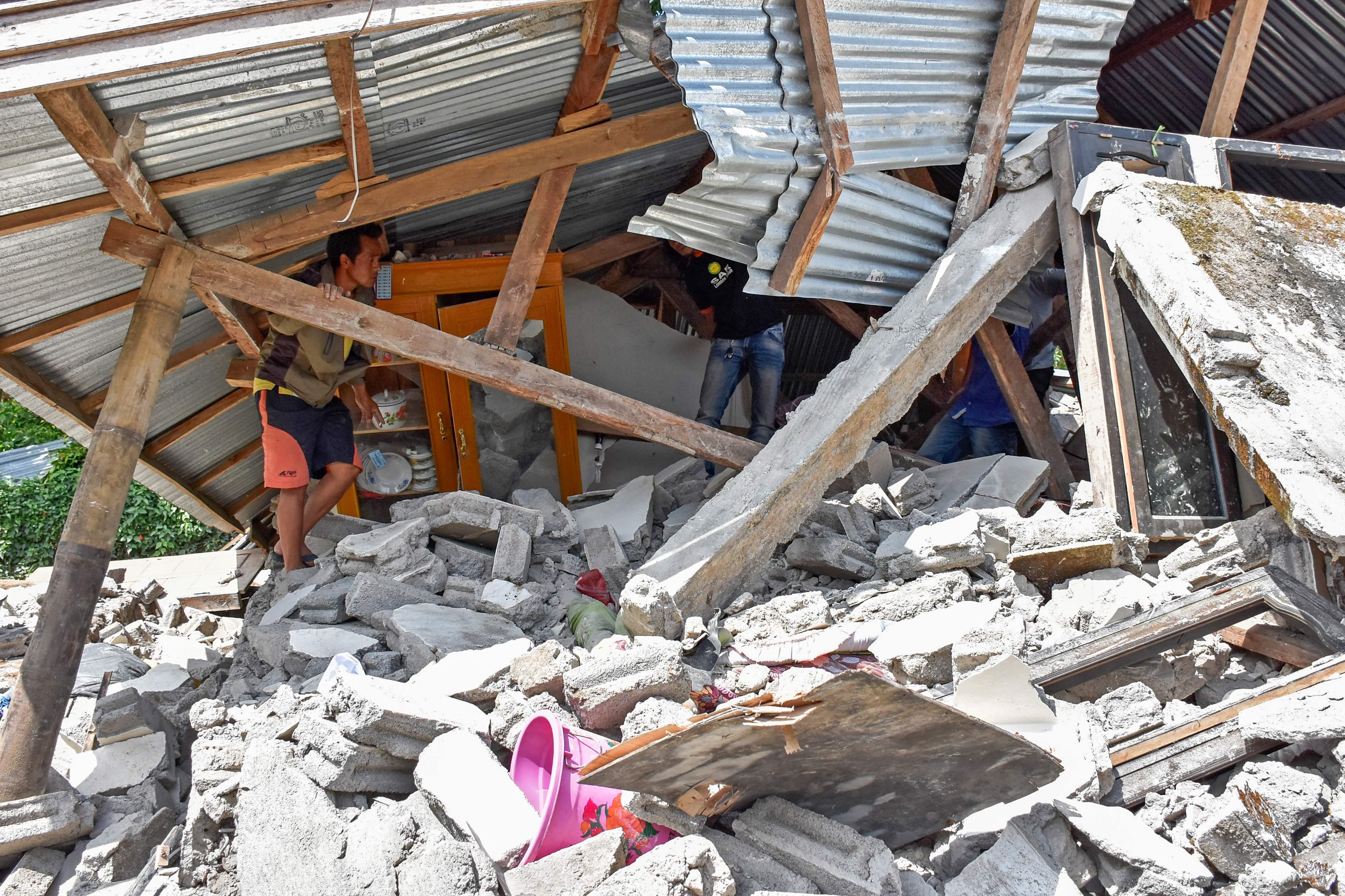 زلزال فى إندونيسيا