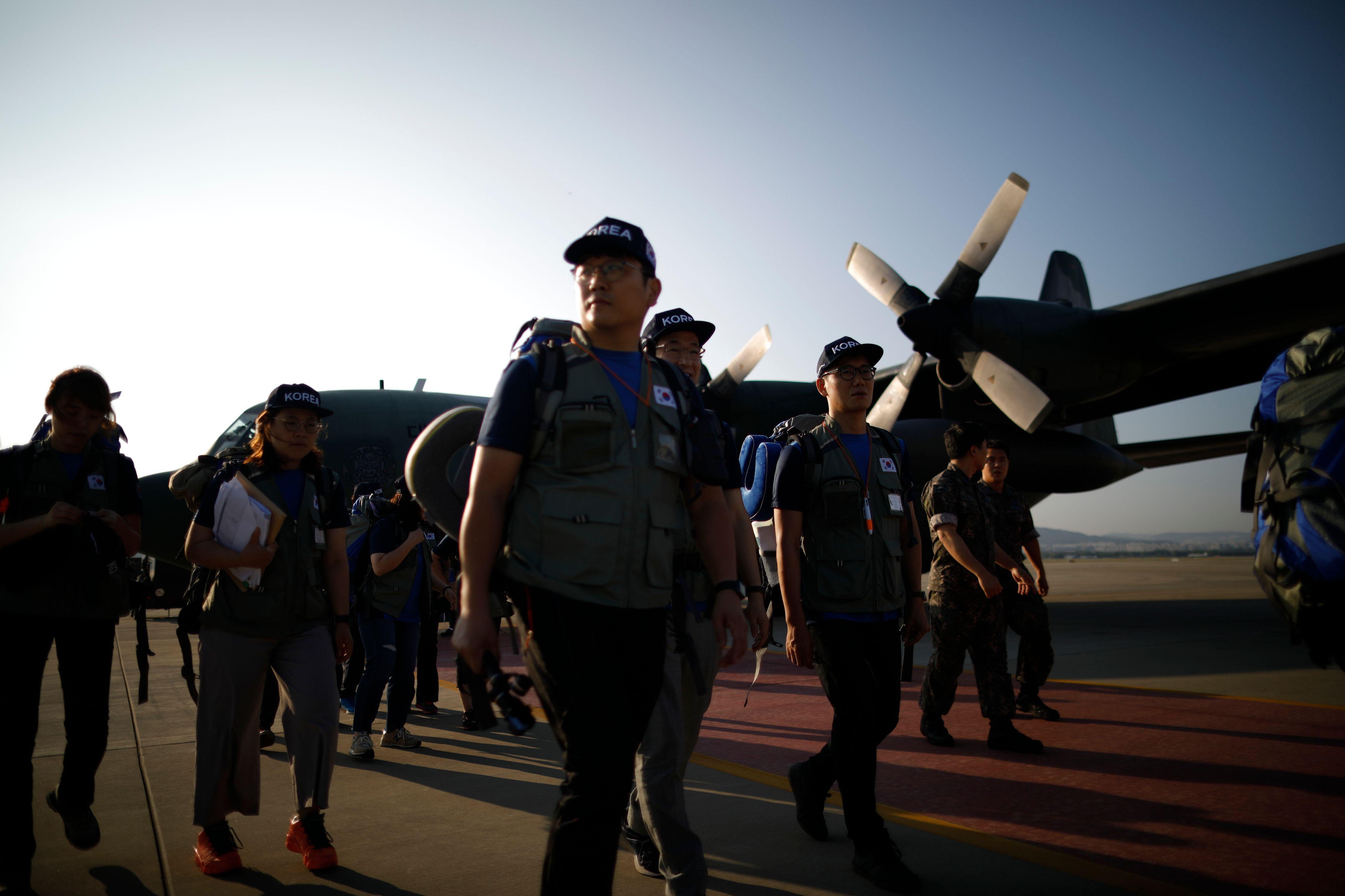 فريق إنقاذ كورى جنوبى يصل لاوس