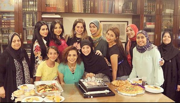هبة مجدى وعائلتها