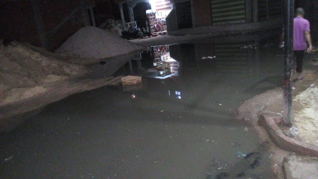 79703-منطقة-القابوطى-تغرق-فى-مياه-الصرف-الصحى--(1)