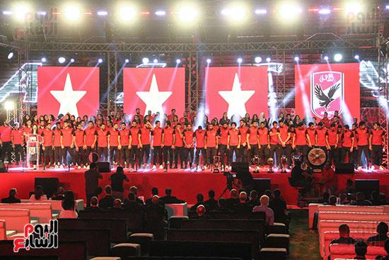 صور حفل تكريم الفرق الرياضية بالاهلى (11)