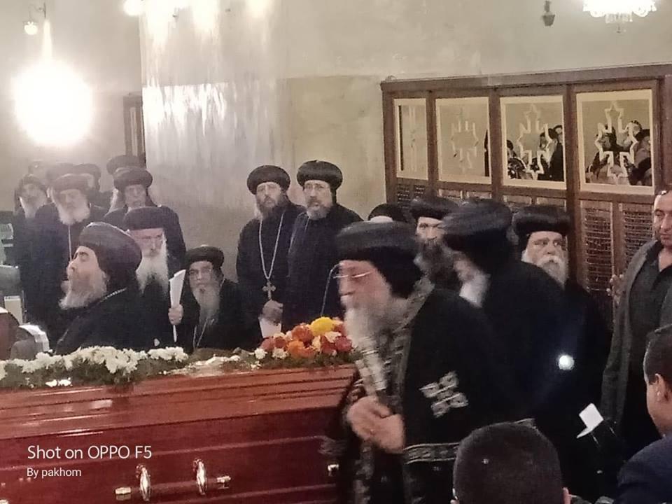 جانب من صلاة الجنازة (5)