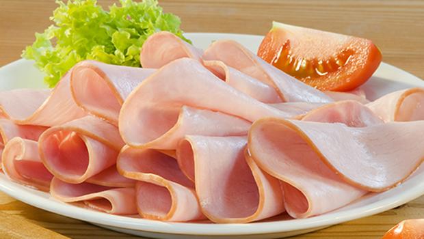 طريقة عمل لانشون الدجاج1