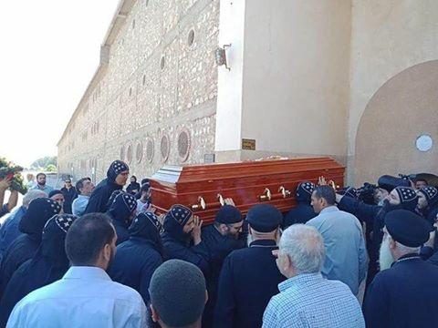 جانب من صلاة الجنازة (11)