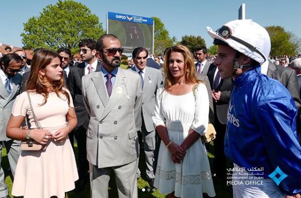 محمد بن راشد يشهد سباق 1000 جينيز الإنجليزي