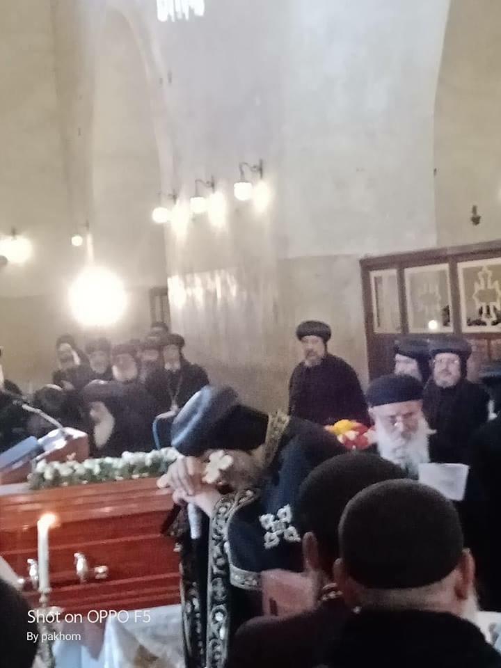 جانب من صلاة الجنازة (7)