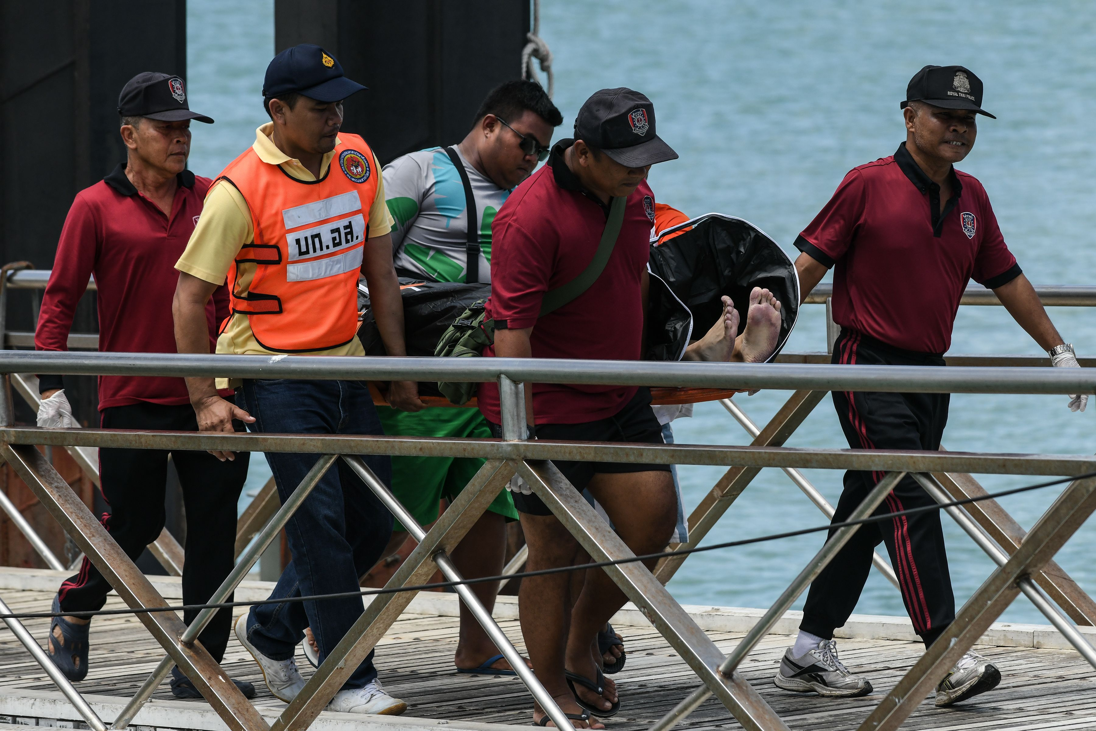 ارتفاع حصيلة ضحايا انقلاب قارب جنوبى البلاد إلى 10 قتلى