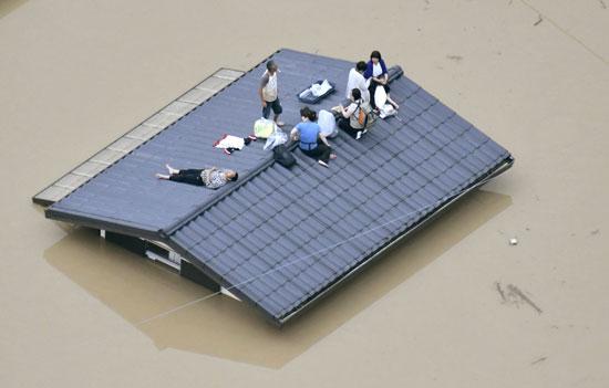 هطول أمطار غزيرة فى اليابان