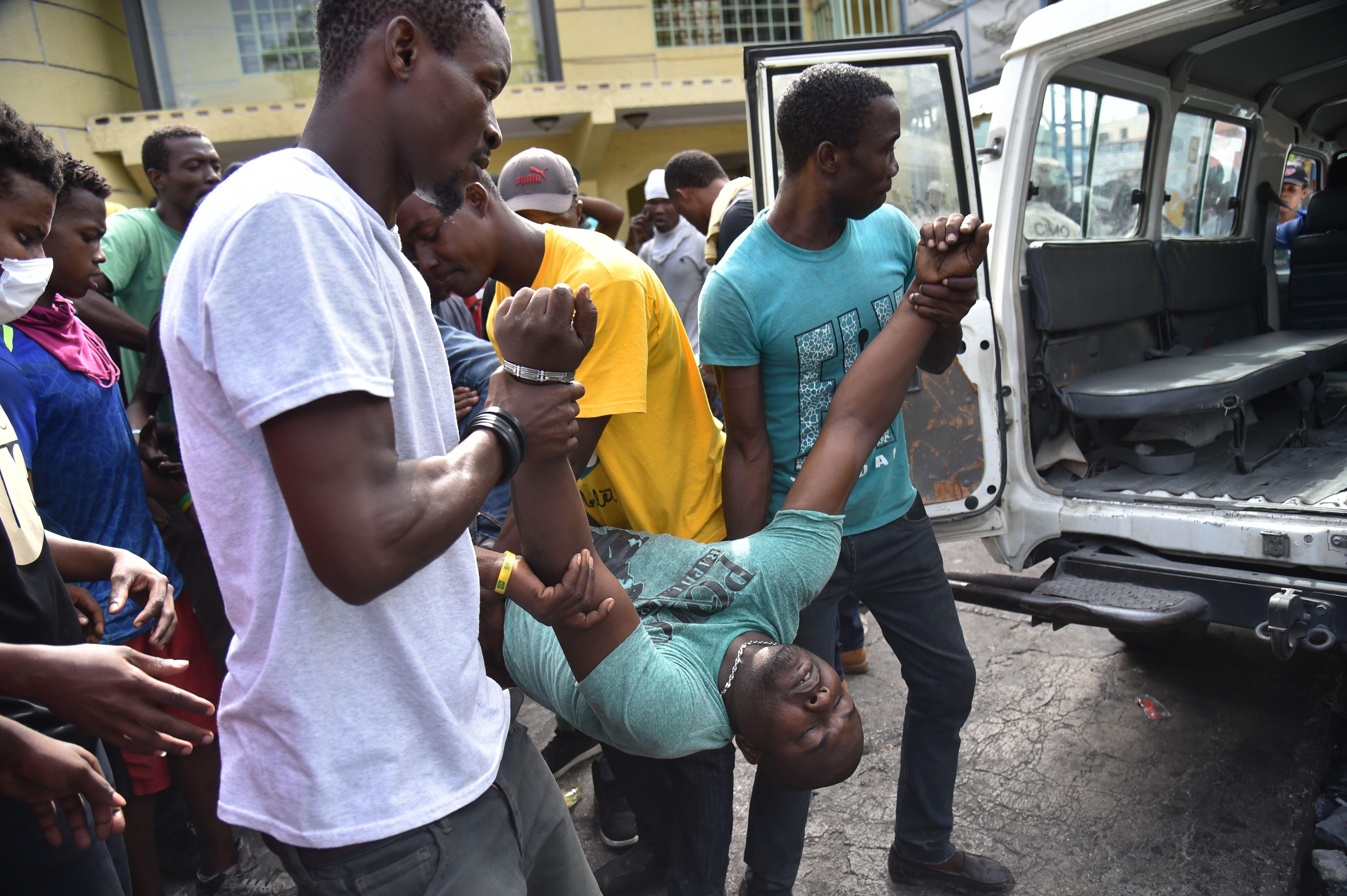 أحد المصابين جراء الاشتباكات