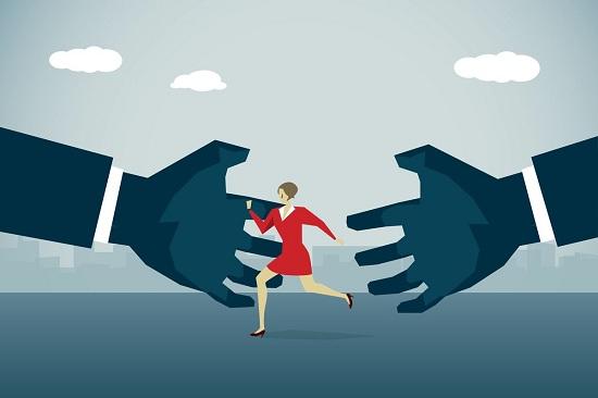 التحرش فى مقابلة العمل (1)