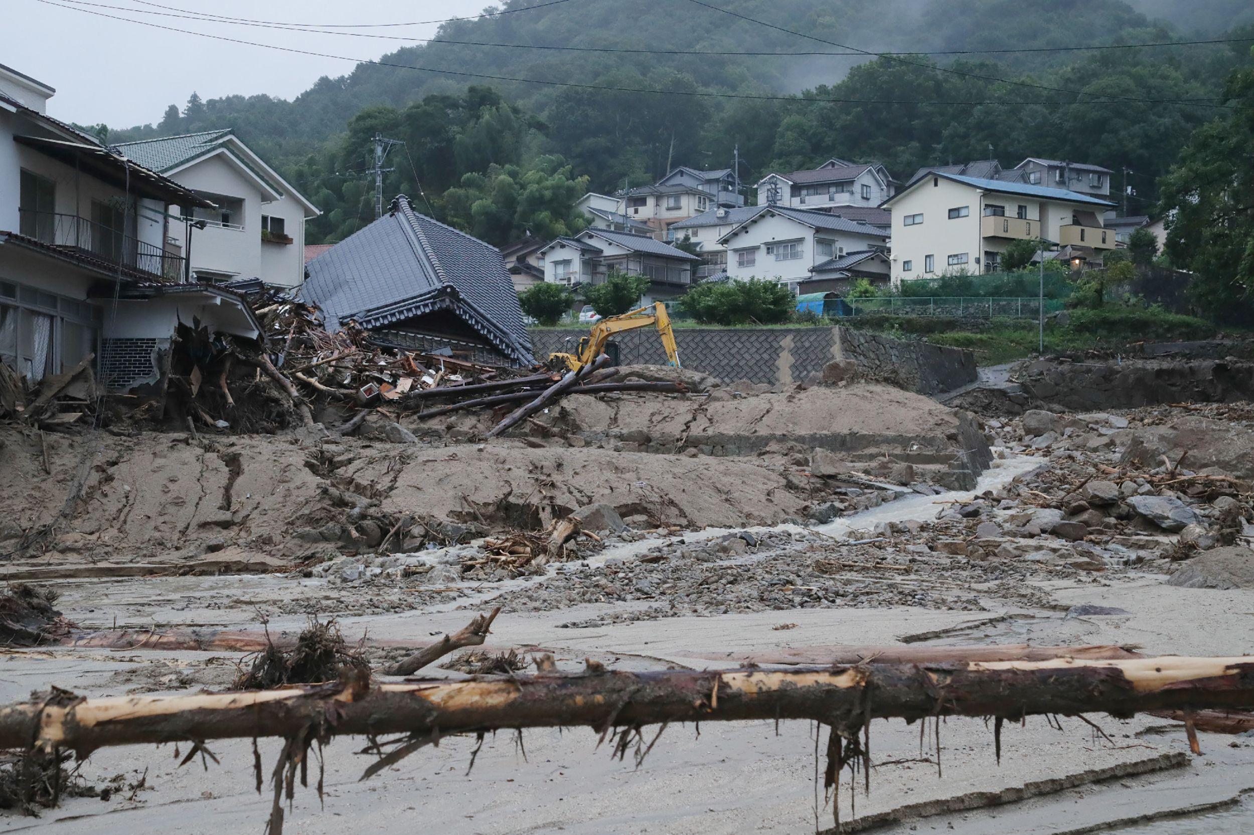 انهيار منازل فى اليابان