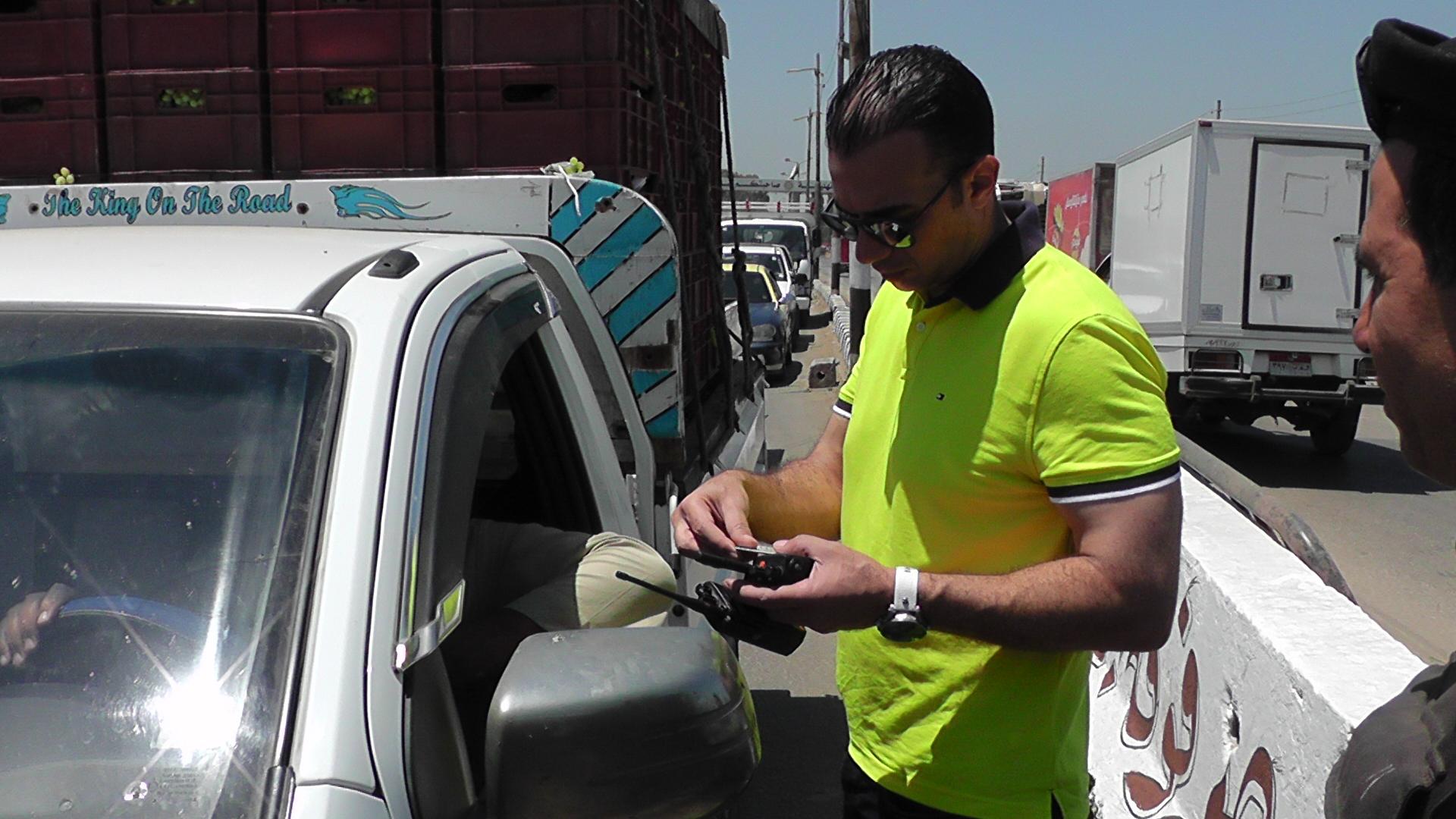 ظباط المرور بشوارع الدقهلية خلال حملة مكبرة