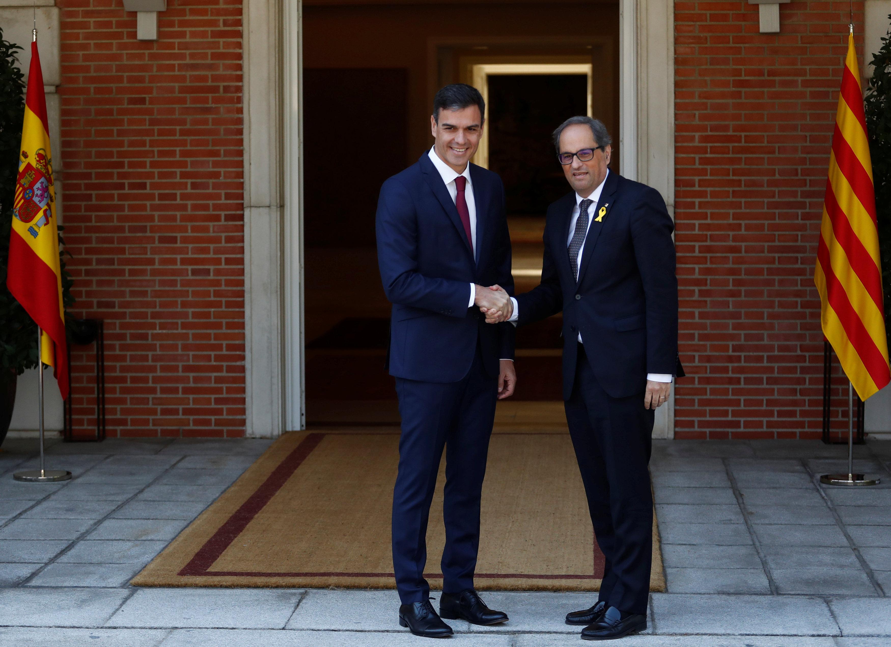 لقاء رئيس الوزراء الإسبانى ورئيس إقليم كتالونيا الجديد