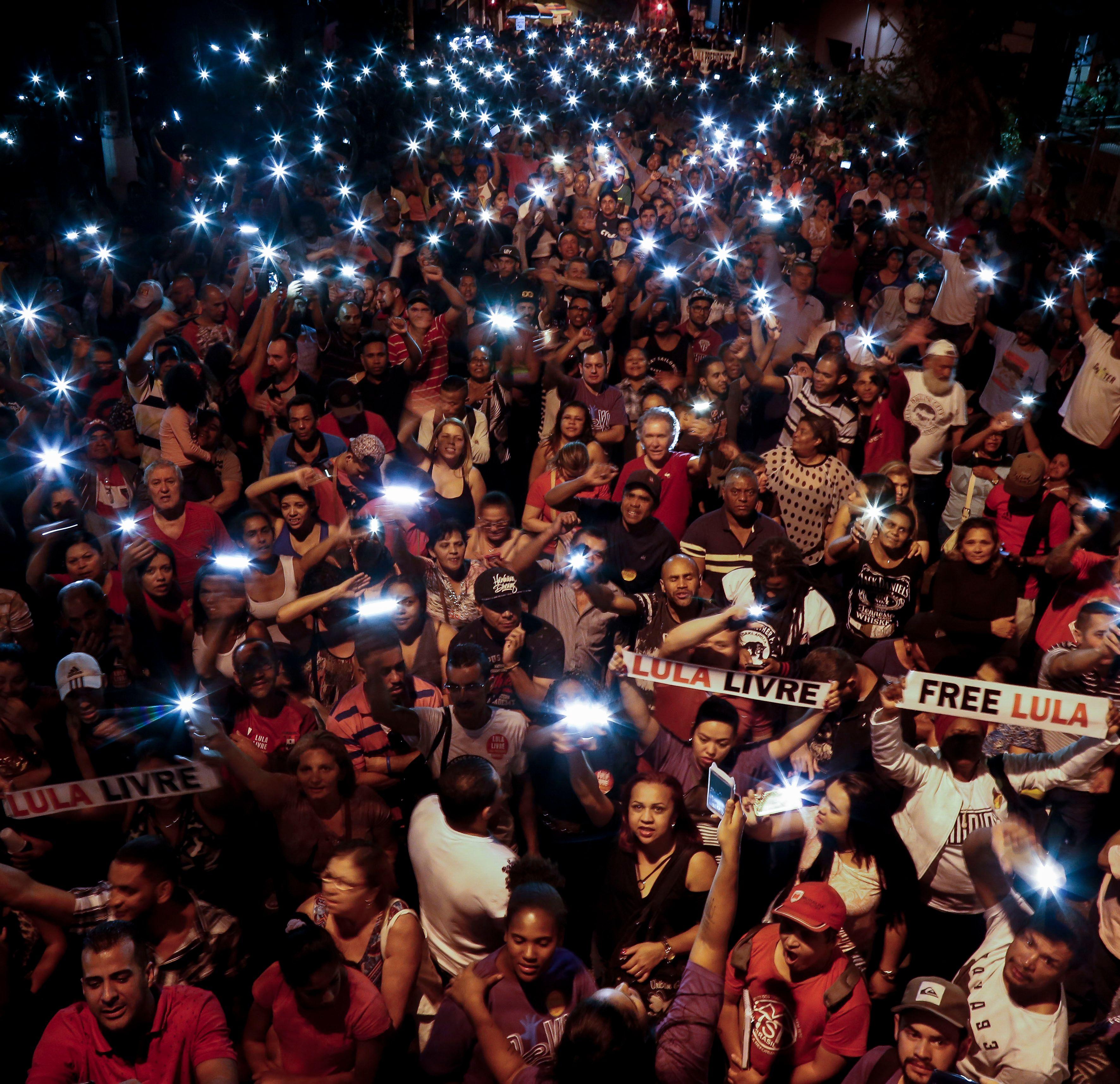المظاهرات فى مدينة كوريتيبا البرازيلية