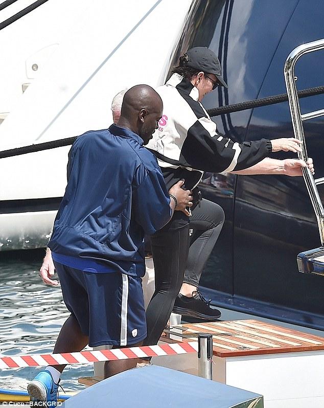 كريس و كوري قبل رحلتهما البحرية (1)
