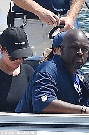 كريس و كوري قبل رحلتهما البحرية (2)
