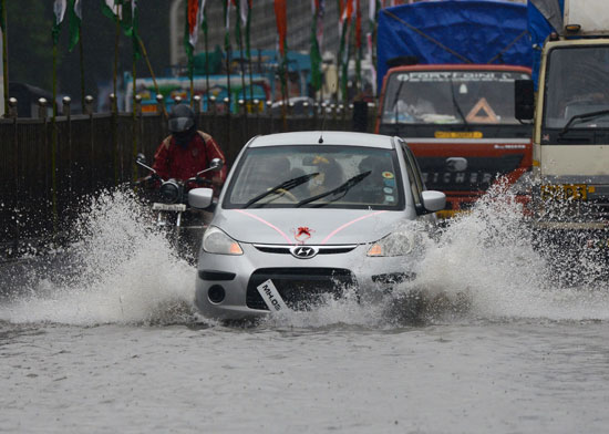 سيول تغرق شوارع الهند